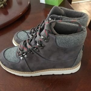 Hiking ankle boots NWT size 8